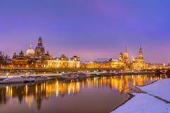 德累斯顿地平线在冬天 免版税图库摄影