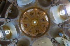 德累斯顿Frauenkirche (我们的夫人教会的内部) 免版税库存图片