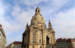 德累斯顿Frauenkirche (逐字地我们的夫人教会)是一个路德教会在德累斯顿,德国 库存照片