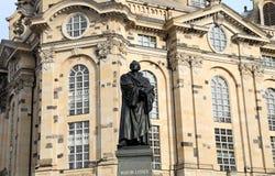 德累斯顿Frauenkirche (逐字地我们的夫人教会)是一个路德教会在德累斯顿,德国 免版税库存图片