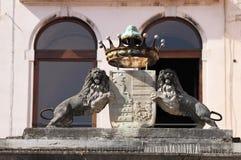 徽章和冠在威尼斯 免版税库存照片