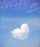 心形的云彩 免版税库存图片