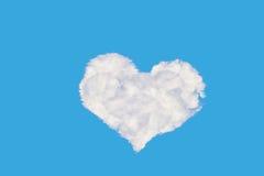 心形的云彩 库存例证