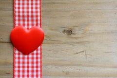 心脏和方格花布 库存照片