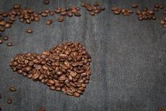 心脏咖啡豆 免版税库存照片