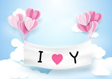 心脏垂悬与横幅的形状气球 概念亲吻妇女的爱人 库存图片