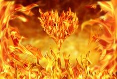 心脏形状和火火焰 免版税库存图片