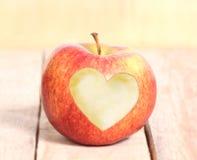 心脏形状番茄 免版税库存图片
