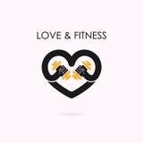 心脏标志和哑铃象 健身和健身房商标 医疗保健 免版税库存图片