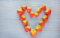 心脏由草莓制成 库存图片