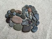 心脏由许多小石头做成 免版税库存照片