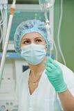 心脏病操作的麻醉学者医生 库存照片