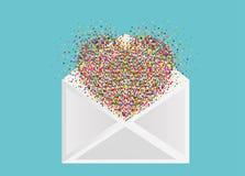 以心脏的形式五彩纸屑飞行在信封外面 库存图片