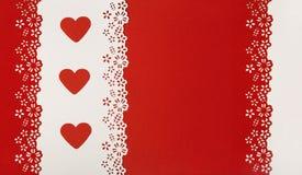 心脏红色背景 情人节婚礼贺卡 免版税库存照片