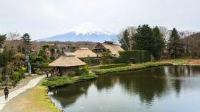 忍野Hakkai一个小村庄在Fuji五湖地区 免版税库存图片