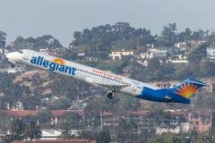 忠实的空气麦克当诺道格拉斯公司MD-83 DC-9-83 N863GA离去的圣地牙哥国际机场 图库摄影