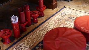 忠心于在东方寺庙的预言 花瓶用在地板安置的传统缝Si算命先生一定棍子  股票视频