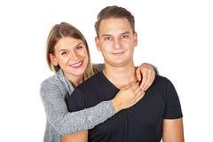 快乐夫妇拥抱 免版税库存图片