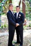 快乐婚礼夫妇-在爱 免版税库存图片