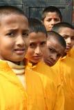 快乐的印度户外摆在的学员 图库摄影