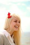快乐的女孩纵向年轻人 免版税库存图片