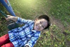 快乐的小男孩 免版税库存照片