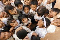 快乐的柬埔寨孩子小组 免版税库存照片