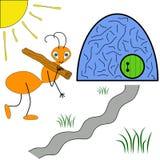快乐的蚂蚁运载一根棍子入蚁丘 免版税库存照片