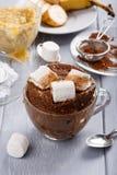 快的巧克力杯子蛋糕 免版税图库摄影