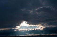 快行雪云彩在12月 库存图片