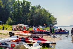 快速汽艇竞争开始在30秒 图库摄影