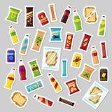 快餐产品集,补丁徽章便当快餐喝胡说的芯片薄脆饼干汁三明治 在传染媒介的平的例证 皇族释放例证