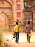 快餐卖主在Mehrauli考古学公园,德里 库存照片