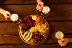 快餐和啤酒 免版税库存照片