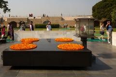 快餐立场男孩在德里,印度 免版税图库摄影
