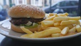 快餐 汉堡和油炸物 股票视频