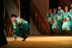 快活的欢乐俄国民间舞 芭蕾舞蹈艺术仿照民间假日Maslenitsa样式 图库摄影
