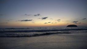忽略海和天际的美好的日落 股票录像