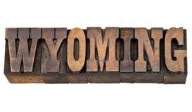 怀俄明在活版木头类型的状态名字 免版税库存图片