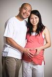 怀孕亚洲的夫妇 库存照片