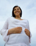 怀孕的海滩 免版税图库摄影