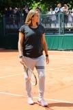 怀孕的网球教练和两次全垒打冠军阿梅莉・莫雷斯莫监督安迪・穆雷实践在罗兰・加洛斯2015年 免版税库存照片