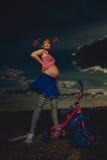 怀孕的Pippi Longstocking 免版税库存图片
