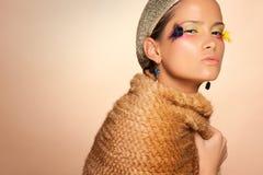 态度美丽的严重的妇女年轻人 免版税图库摄影