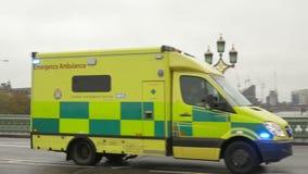紧急救护车在伦敦 股票视频