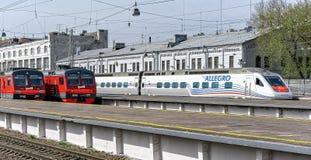急速地的高速火车在圣彼德堡 库存图片