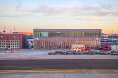 紧急医疗服务中心在机场 免版税库存图片