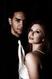 性感夫妇黑暗的被过滤的照片 免版税库存图片
