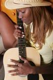 性感的吉他弹奏者 库存图片