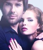 年轻性感的夫妇特写镜头画象在爱的 图库摄影